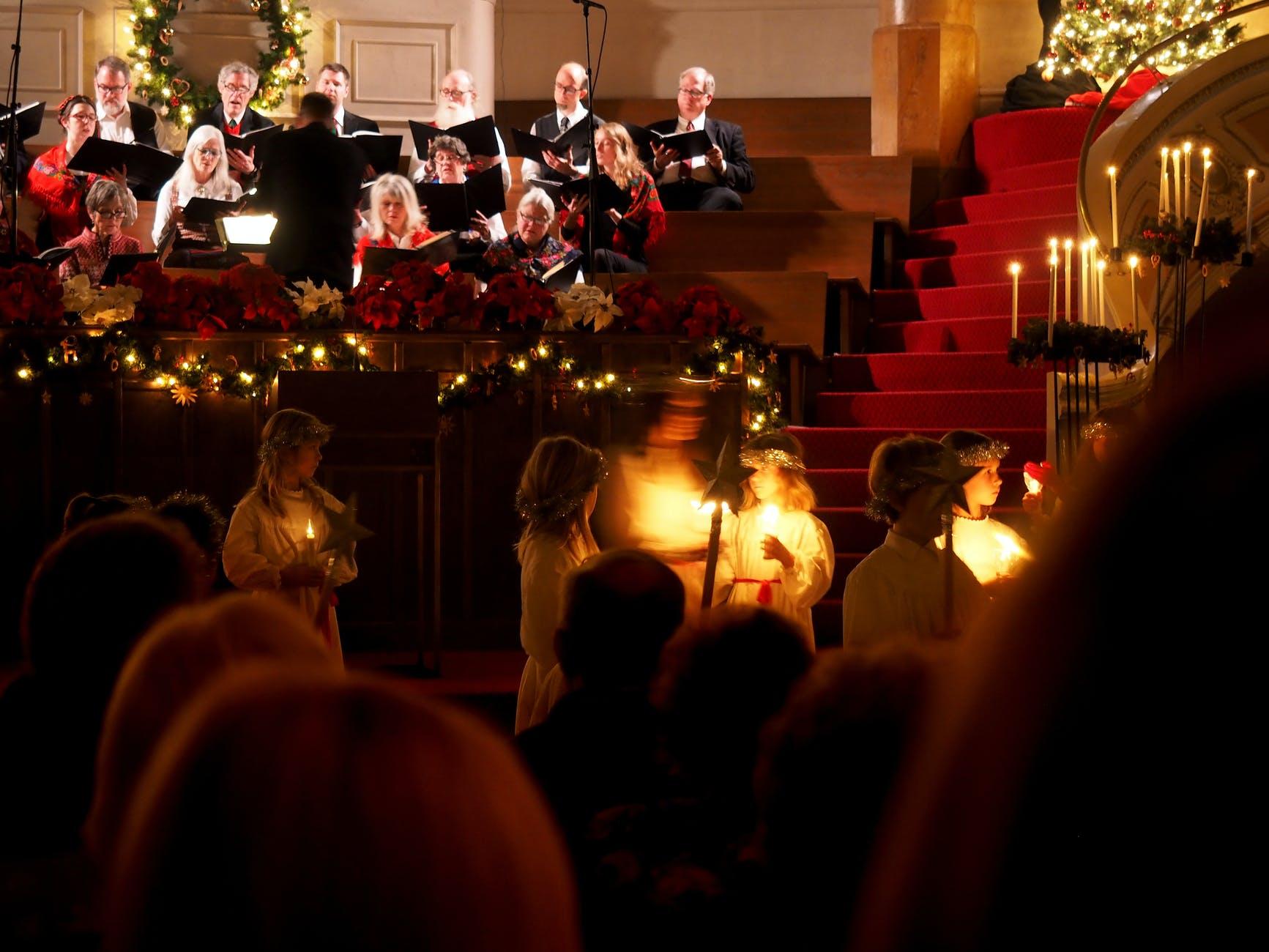 choir singing in easter